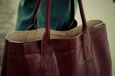 Большой ассортимент хороших кожаных сумок